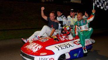 Kart: Burti conquista sua primeira vitória nas 500 Milhas da Granja Viana ao lado de Barrichello, Kanaan e Cia