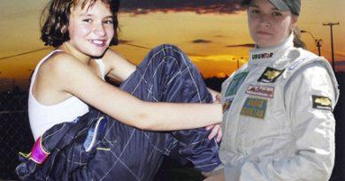 Outra: Sara Sanchez comemora 10 anos de automobilismo