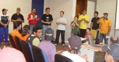 Arrancada: Ídolos da arrancada falam sobre o perigo dos rachas de rua para jovens do Colégio Estadual Rui Barbosa