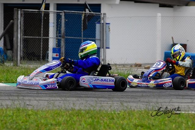 Kart: Rivais na pista, agora parceiros na luta por vitórias