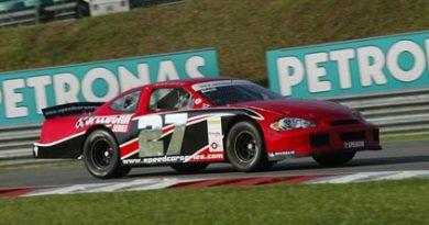 Speedcar: Jean Alesi sai na pole na Malásia