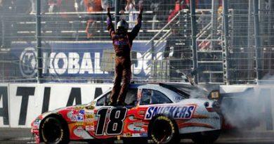 Nascar Sprint Cup: Kyle Busch faz história em Atlanta