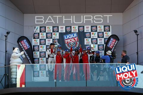 12 Horas de Bathurst: Em final emocionante, quarteto da Ferrari vence edição de 2014