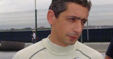 Mil Milhas Brasil: Depois de 56 voltas, Pescarolo tem problemas na suspensão