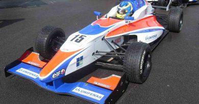 Fórmula Renault Inglesa: Bons treinos em Brands Hatch animam Victor Corrêa