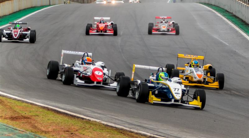 Fórmula 3: Guilherme Samaia vence a 1ª Prova em Interlagos