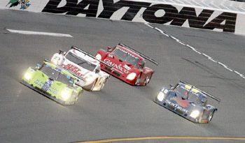 Grand-Am: Dupla Jorg Bergmeister/Colin Braun vence a Daytona 250