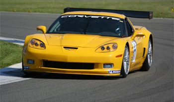 FIA GT: Embreagem tira Boni da estréia