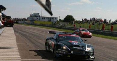 British GT: Barwell Motorsport domina provas em Thruxton