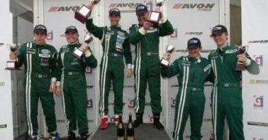 British GT: Barwell Motorsport domina em Donington Park