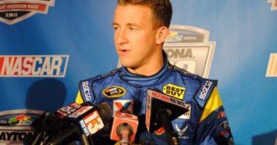 NASCAR Sprint Cup Series: A.J.Allmendinger substitui Kurt Busch na Penske