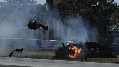 ALMS: Piloto sai ileso de espetacular acidente
