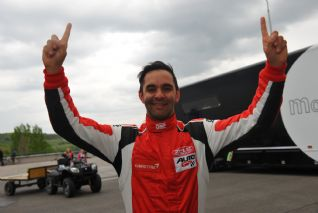 AutoGP: Antônio Pizzonia marca a pole em Budapeste