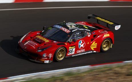 12 Horas de Bathurst: Trio da Ferrari vence em Mount Panorama