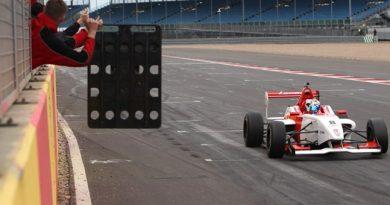 BRDC F4: George Russell vence duas e lidera o campeonato