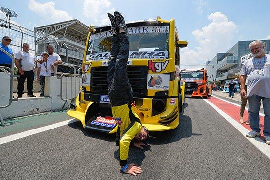 Copa Truck: Pole, Giaffone amplia vantagem na decisão da Copa Truck