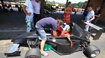 Fórmula + : Carro faz shakedown na Granja Viana. Apresentação será no dia 16 de janeiro