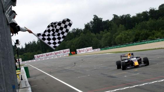 F2: Mirko Bortolotti vence a primeira prova em Brno