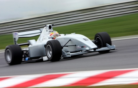 F2: Miki Monras é o mais rápido em Snetterton