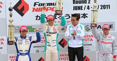 F-Nippon: Kazuki Nakajima lidera o campeonato