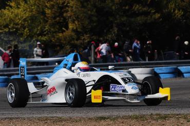 F4 Sul-americana: Facundo Garese se livra das confusões e vence segunda corrida