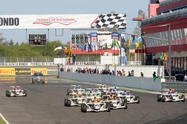 F4 Sul-americana: Pedro Cardoso demonstra habilidade e ganha segunda corrida na Argentina