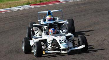F4 Sul-americana: Juan Manuel Casella brilha e ganha corrida complementar em Rivera