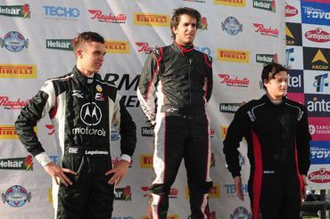 F4 Sul-americana: Juan Manuel Casella vence primeira corrida do ano em El Pinar