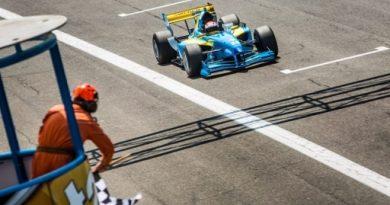 FA1: Felix Rosenqvist vence as duas provas em Monza