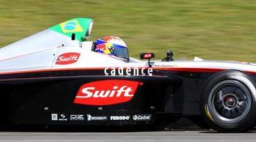 F-BMW Européia: Bianchini larga entre os primeiros em Silverstone