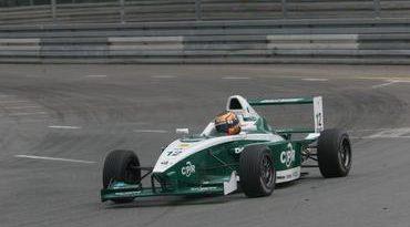 F-BMW: Tiago Geronimi mostra velocidade nos dois dias de treinos coletivos na Hungria