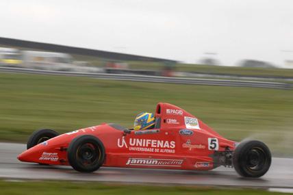 F-Ford Inglesa: No molhado Victor Corrêa vence em Donington Park