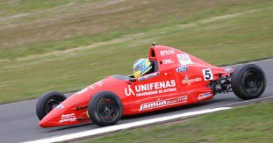 F-Ford: Brasileiro Victor Corrêa larga na pole no Mundial de Fórmula Ford