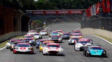 FIA GT: Tomas Enge/ Darren Turner vencem prova classificatória em Interlagos
