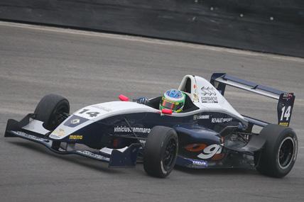 F-Renault Européia: Em Spa-Francorchamps, Sammarone é atrapalhado por adversário