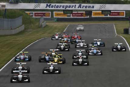Norte-Europeu de Fórmula Renault – Pipo enfrenta dificuldades na pista de Oschersleben