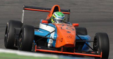 Outras: Fernando Trevisan faz o melhor tempo na sessão de treinos coletivos para a F-Renault Suíça