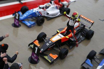 F-Renault Européia: Francês vence as duas provas em em Aragón