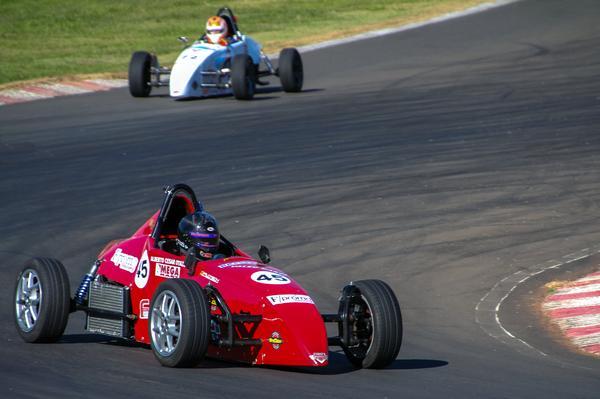 Fórmula Vee: Caçula da categoria volta a correr em Interlagos