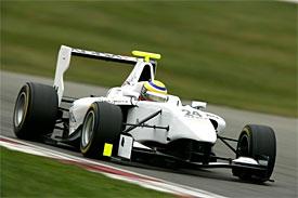 GP3: Gabby Chaves é o melhor dos testes em Silverstone