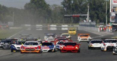 FIA GT Series: Loeb/Parente e Simonsen/Afanasiev vencem na Eslováquia