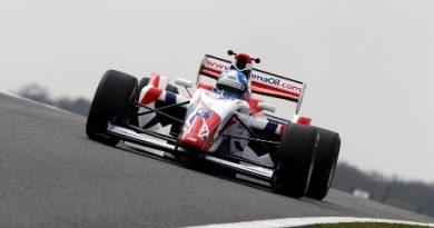 F2: Jolyon Palmer é o mais rápido no último teste da pré-temporada