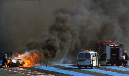 LMS: Spyker pega fogo e fica destruído em acidente