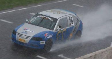 Brasileiro de Marcas e Pilotos: Sob chuva, Marco Romanini e VW Gol conquistam o campeonato