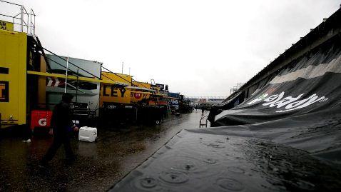 NASCAR Sprint Cup Series: Chuva cancela classificatório. Matt Kenseth alinha na pole
