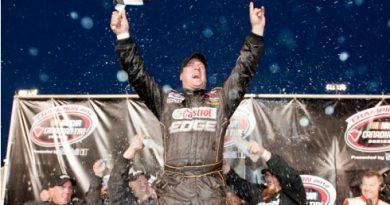 NASCAR Canadian Tires Series: D.J. Kennington é o Campeão de 2012