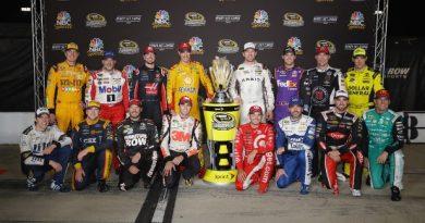 NASCAR Sprint Cup Series: Denny Hamlin vence em Richmond. Definido os 16 pilotos do Chase
