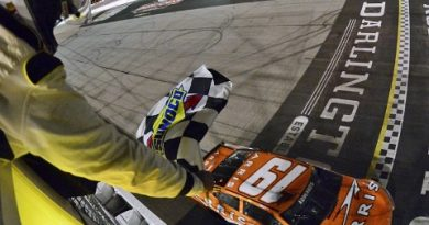NASCAR Sprint Cup Series: Carl Edwards vence em Darlington