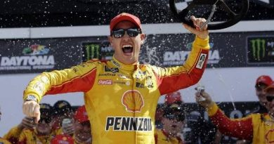 NASCAR Monster Energy Cup Series: Joey Logano vence o Advance Auto Parts Clash