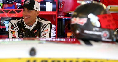 NASCAR Sprint Cup Series: Chuva cancela treino, e Kevin Harvick alinha na pole em Chicago